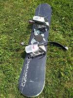 Snowboard ve výborném stavu